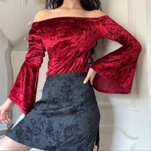 ♥️ Vintage red velvet bell sleeve blouse